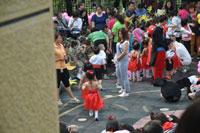幼儿园小班教育活动说课稿:雨中乐