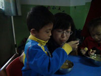 幼儿园教育笔记:我不吃手了