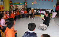 小班语言说课稿及教案:小鸭找朋友