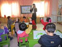 """小结:以""""玩圈""""为例谈托班幼儿体育活动兴趣的培养"""
