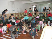 幼儿园小班教育随笔:幼儿教师需多注意自己的言行举止