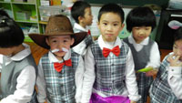幼儿园大班语言《小螃蟹找工作》说课稿