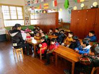 幼儿园中班说课稿:会飞的塑料袋