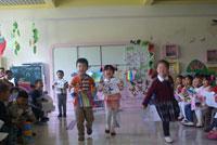 幼儿园大班科学活动说课稿:怎样使小铁块不下沉